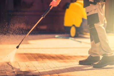 Hire a Metro Detroit Pressure Washing Company to Help with Spring Cleaning