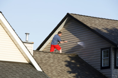When to Clean and When to Replace the Siding on Your Home