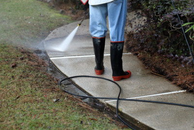 The Benefits of Hiring a Professional Rochester Hills Pressure Washing Company