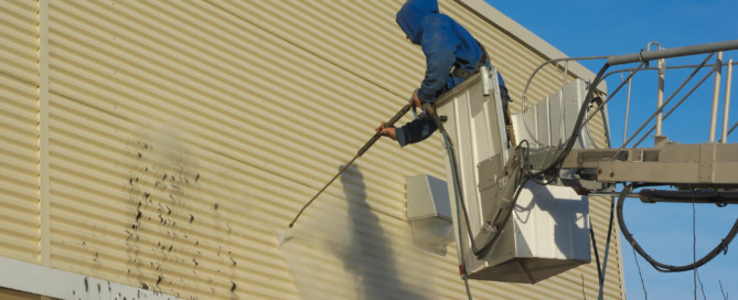 When to Clean and When to Replace Your Siding